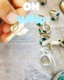 Behind the scenes painting some of our best sellers: Penrose Earrings 2 in white gold and emerald   📢 Mother's day promotion is still on  Use code MUMMY-21 to get 20% off your order 🛍  #giftideas #maison203 #mothersday #3dprintedjewelry #3dprinted #contemporaryjewellery #bijoux #bijouxcontemporains #statementjewelry #handpaintedjewelry #gioiellocontemporaneo
