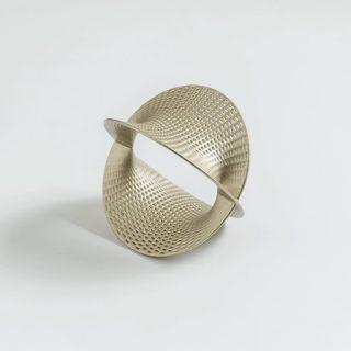 Style up those August nights with a comfortable light cuff from #Maison203Reef 🌅  #maison203 #statementjewelry #statementbracelet #cuffbracelet #3dprinting #3dprintedjewelry #contemporaryjewelry #gioiellocontemporaneo #digitaljewelry #bijouxcontemporains
